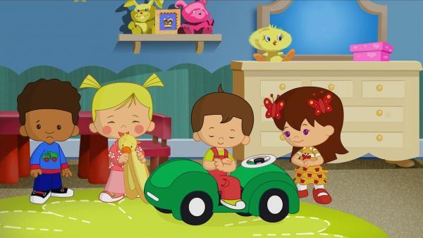 Hamid, Zoé, Max und Lili spielen zusammen. | Rechte: KiKA/Mike Young Productions