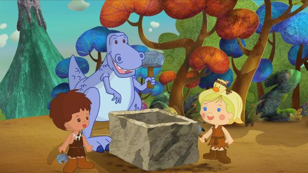 Finn, Zoé und QuackQuack helfen einem Dinosaurier. | Rechte: KiKA/Mike Young Productions