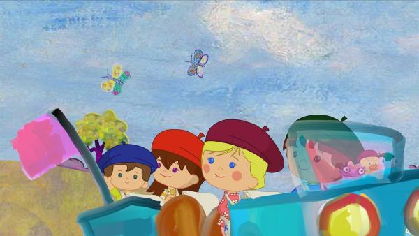 Max, Lili, Zoé und Finn fahren mit einem selbst gemalten Auto durch die Gemäldelandschaft mit Schmetterlingen. | Rechte: KiKA/Mike Young Productions