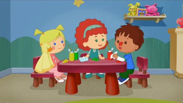 Zoé mit QuackQuack, Tanja und Finn beim Malen. | Rechte: KiKA/Mike Young Productions