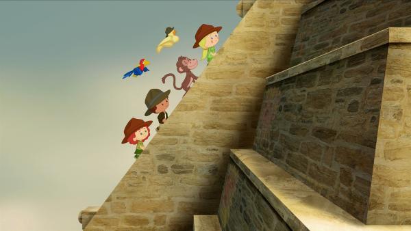 Dieses Abenteuer führt Tanja, Finn und Zoé begleitet von QuackQuack und den neuen Freunden, einem Affen und einem Papagei, auf einen Tempel. | Rechte: KiKA/Mike Young Productions