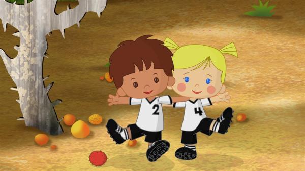 Finn und Zoé als Fußballspieler | Rechte: KiKA/Mike Young Productions