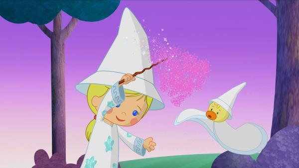 Zauberin Zoé mit Zauberstab und einem staunenden QuackQuack. | Rechte: KiKA/Mike Young Productions